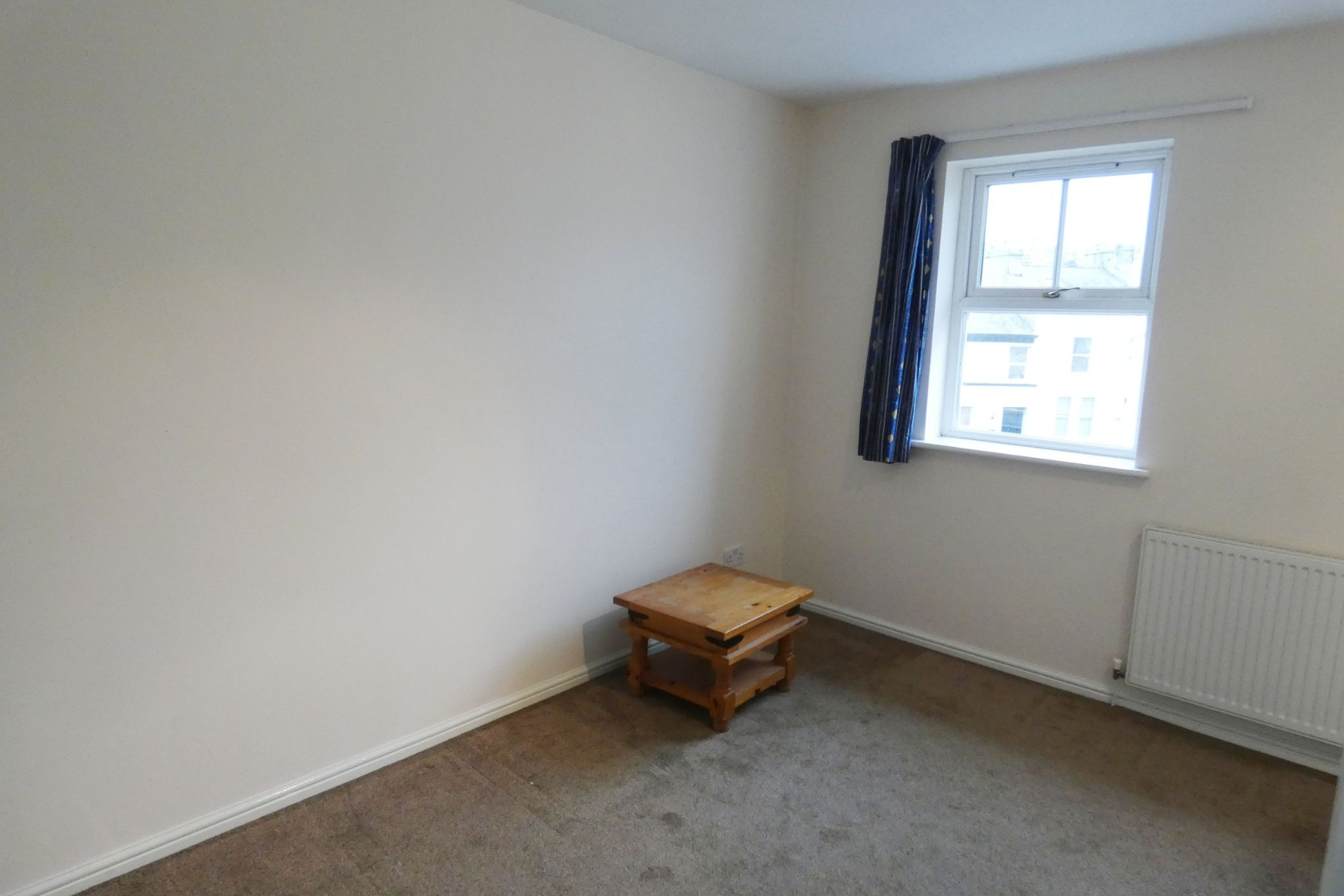 4 bedroom mid terraced house Let in Douglas - Property photograph