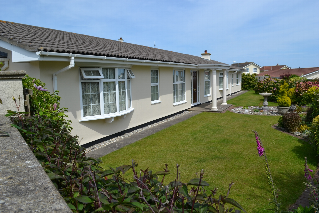4 bedroom detached bungalow For Sale in Port St Mary - 1