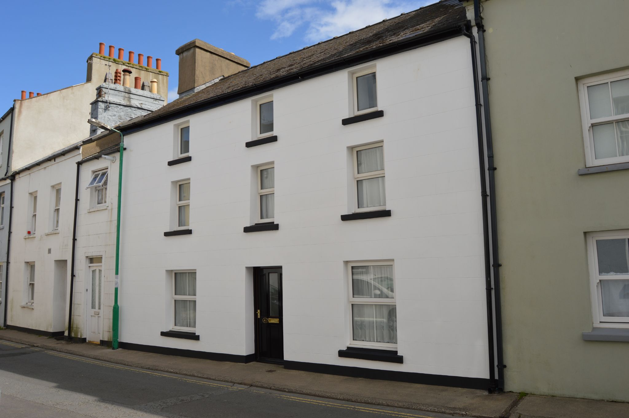 3 bedroom mid terraced house For Sale in Castletown - Photograph 1