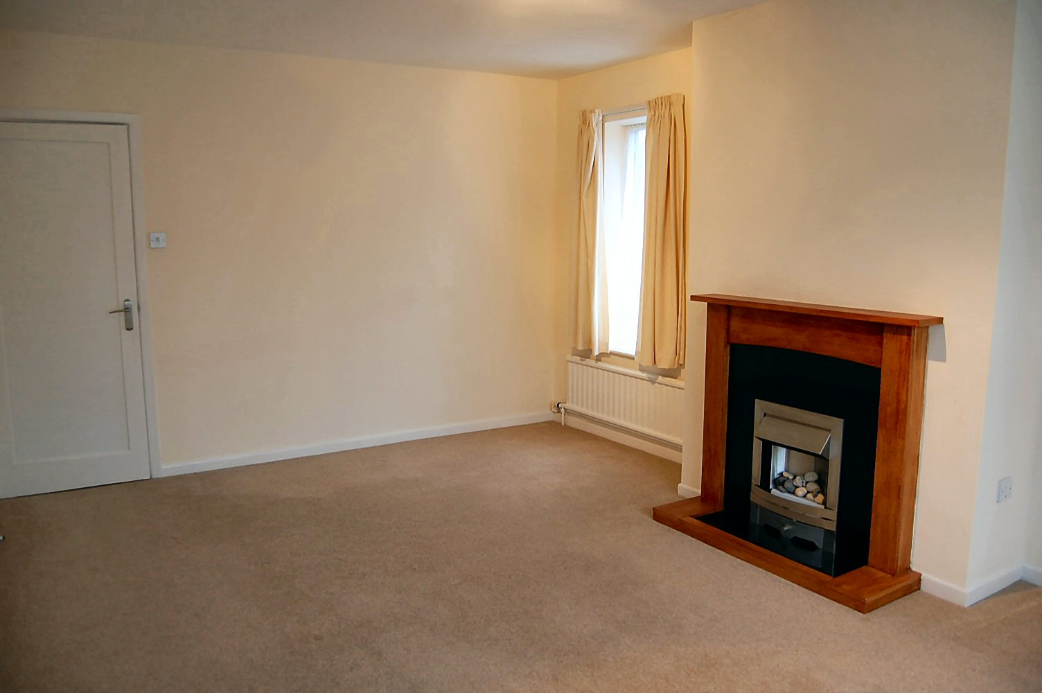 3 bedroom detached bungalow To Let in Onchan - Photograph 3