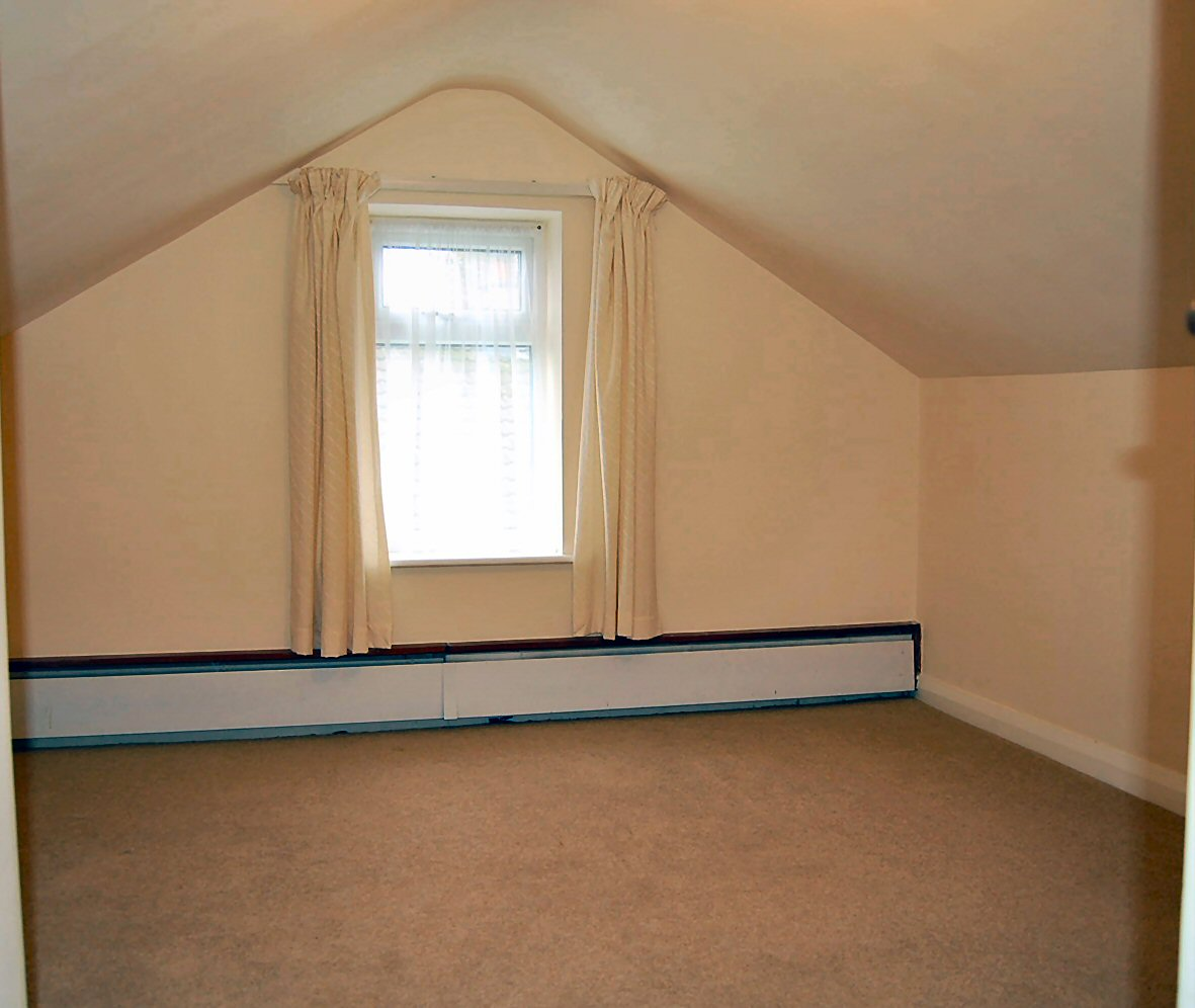 3 bedroom detached bungalow To Let in Onchan - Photograph 6
