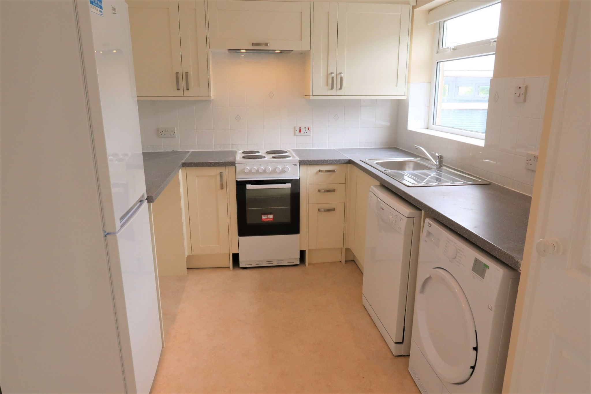 2 bedroom mid terraced house Let in Port Erin - Property photograph