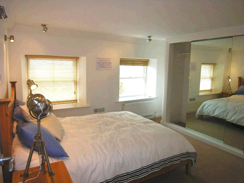 3 bedroom apartment flat/apartment For Sale in Peel - Property photograph