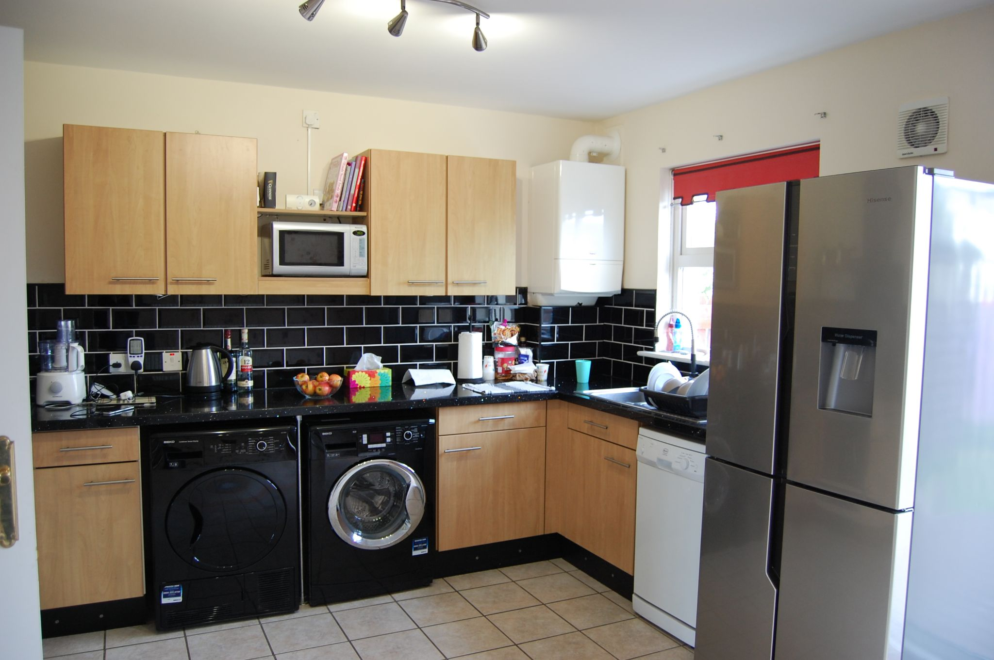 3 bedroom semi-detached house Let in Peel - Property photograph