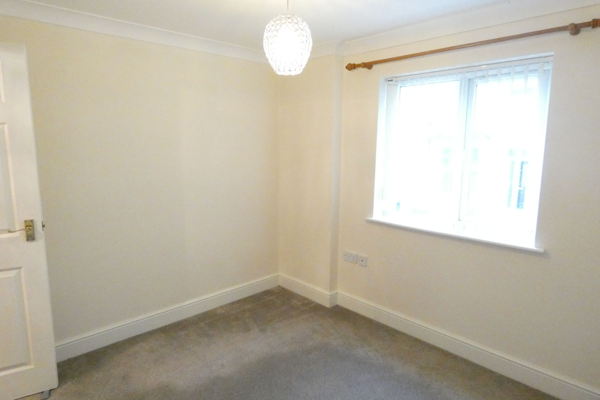 2 bedroom apartment flat/apartment Let in Douglas - Property photograph