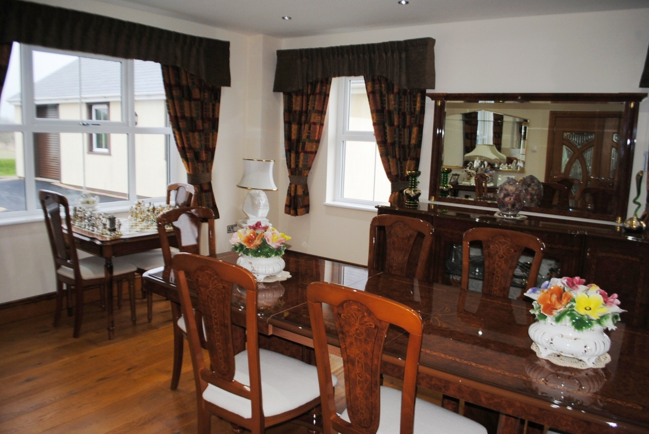4 bedroom detached house For Sale in Santon - Property photograph