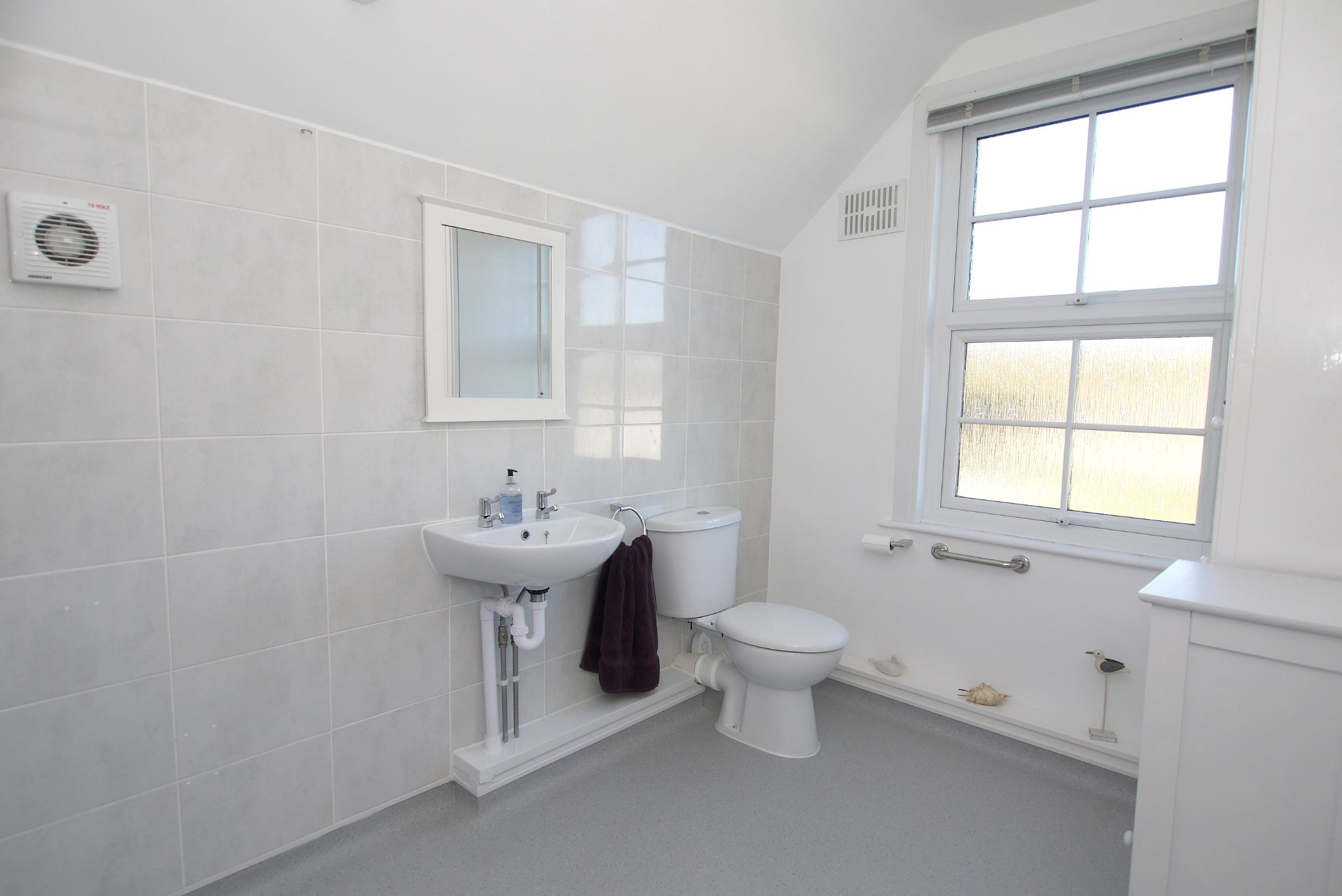 2 bedroom end terraced house For Sale in Dartford - Photograph 7