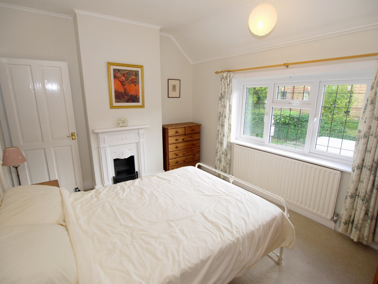 2 bedroom end terraced house For Sale in Dartford - Photograph 5