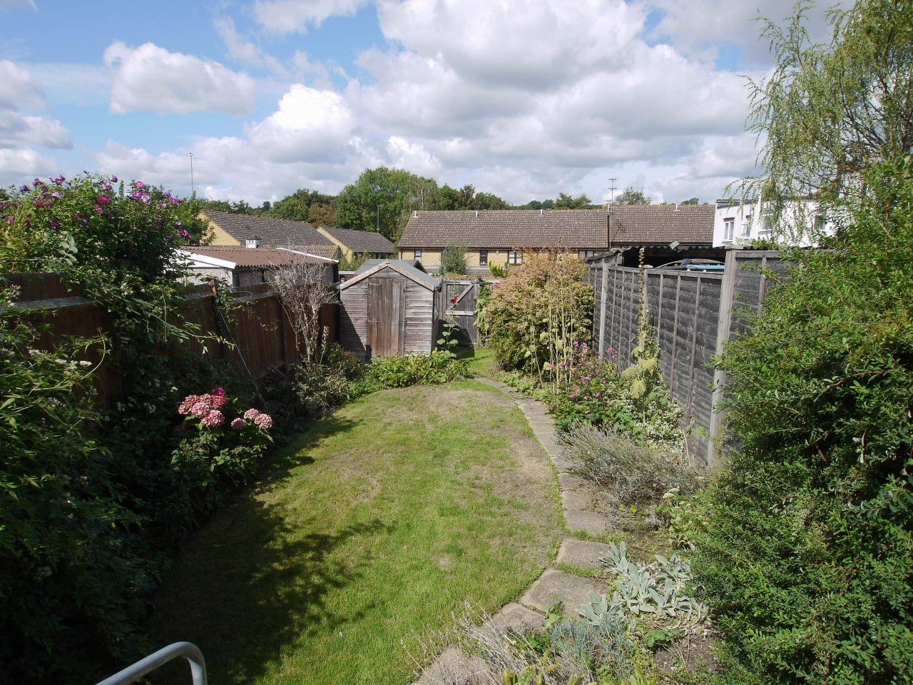 2 bedroom end terraced house For Sale in Dartford - Photograph 8
