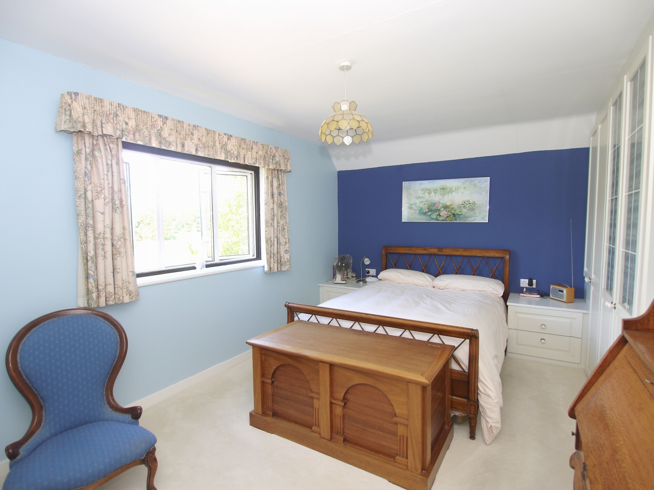 3 bedroom semi-detached house For Sale in Tonbridge - Photograph 7