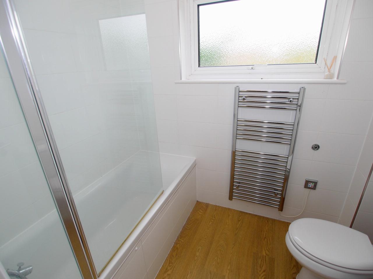 3 bedroom mid terraced house For Sale in Sevenoaks - Photograph 5