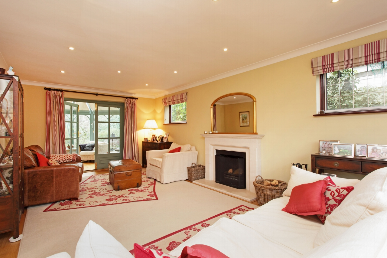 5 bedroom detached house For Sale in Sevenoaks - Photograph 2