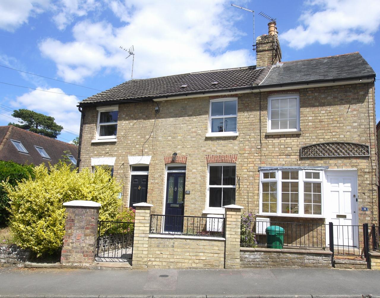 2 bedroom mid terraced house Sold in Sevenoaks - Photograph 2