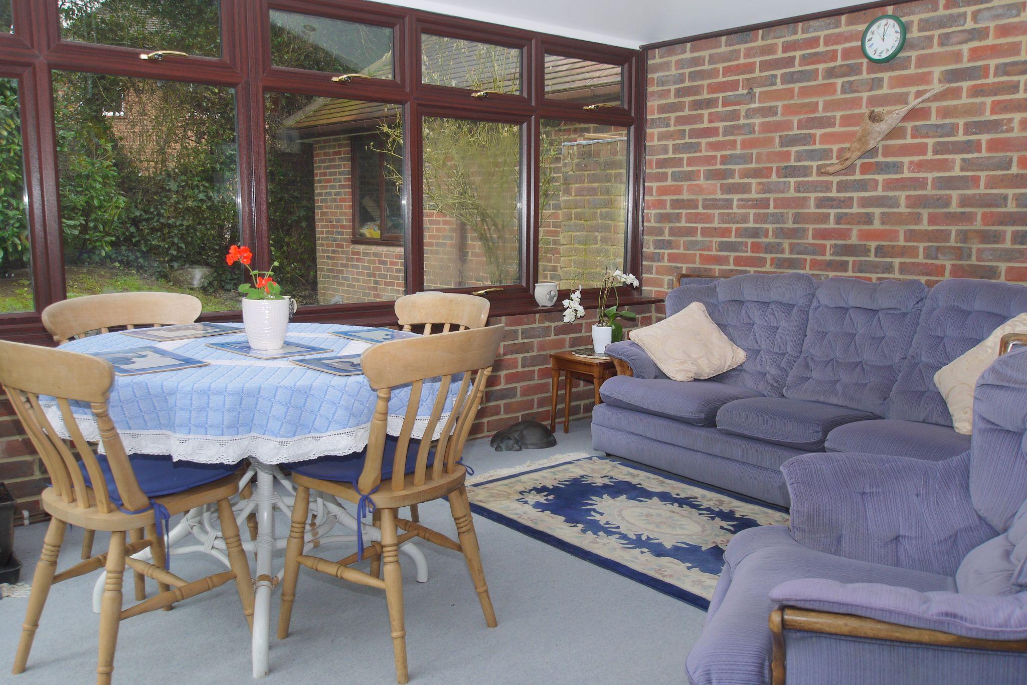 4 bedroom detached house Sold in Sevenoaks - Photograph 5