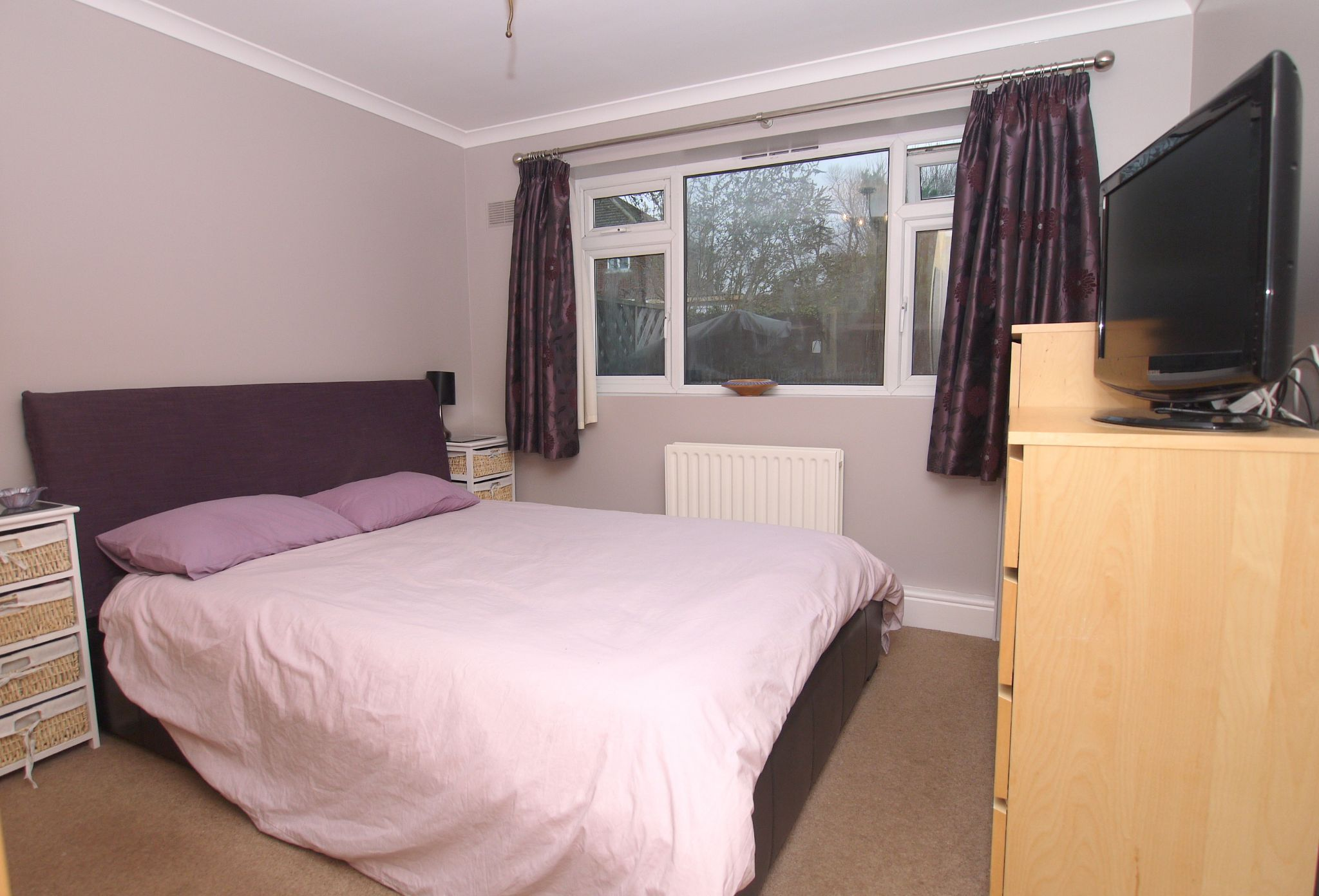 2 bedroom ground floor flat/apartment For Sale in Sevenoaks - Photograph 4