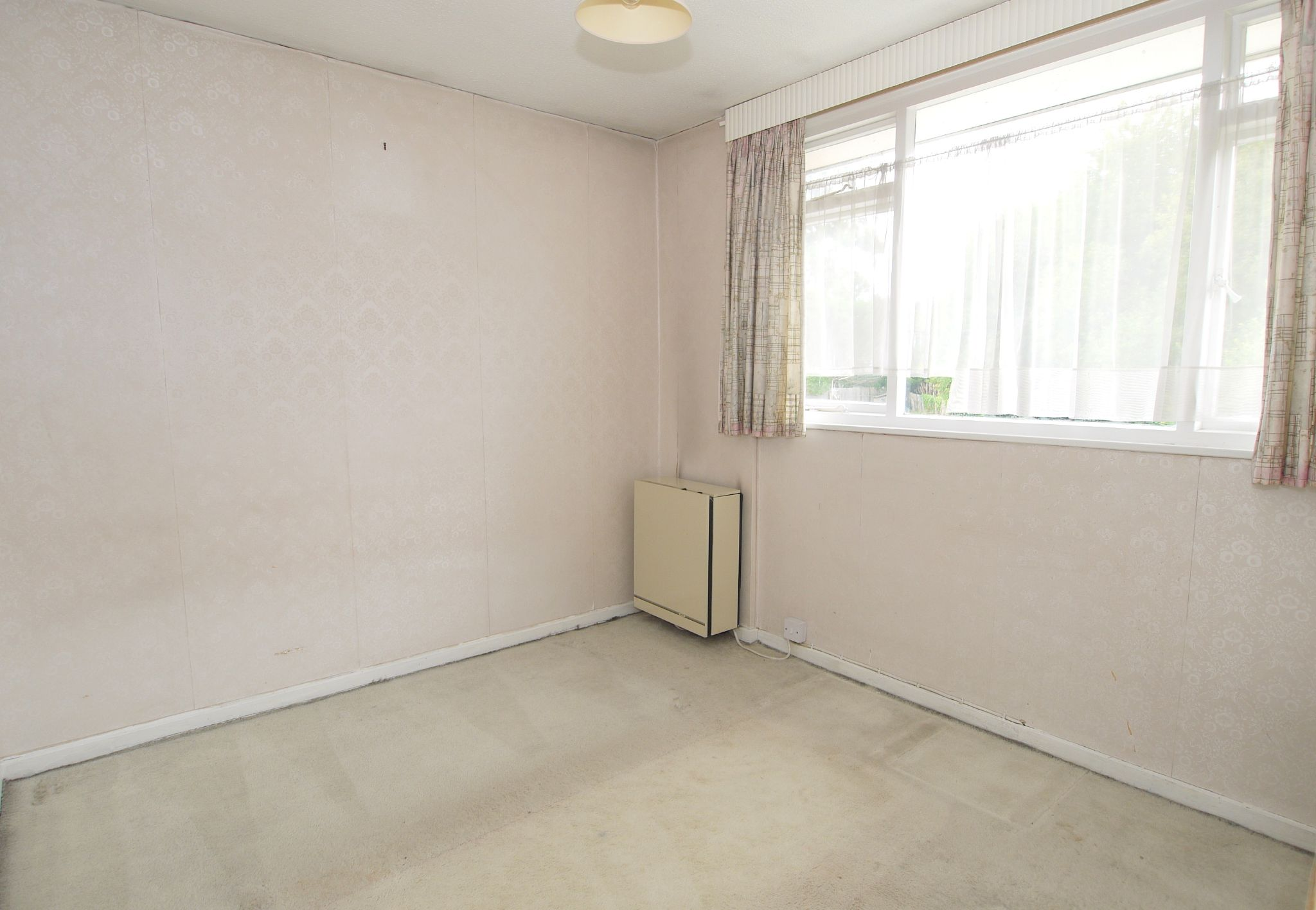 5 bedroom semi-detached house For Sale in Sevenoaks - Photograph 7
