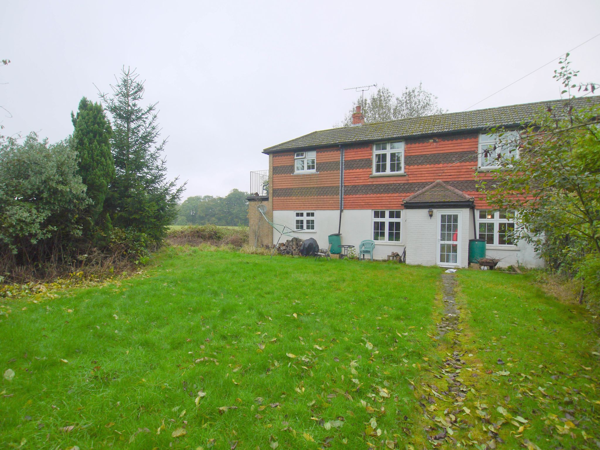 4 bedroom semi-detached house For Sale in Sevenoaks - Photograph 9