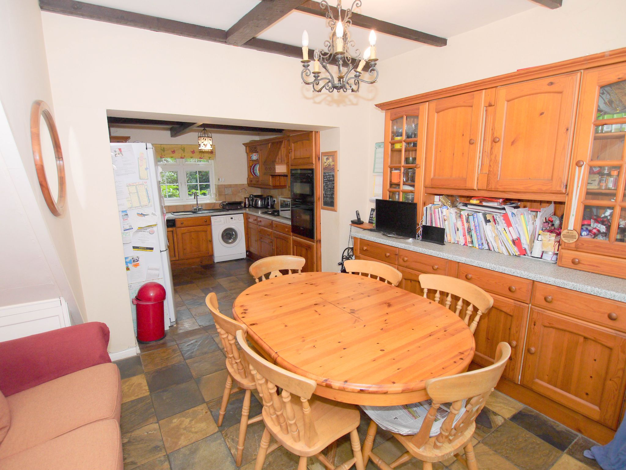 4 bedroom semi-detached house For Sale in Sevenoaks - Photograph 5