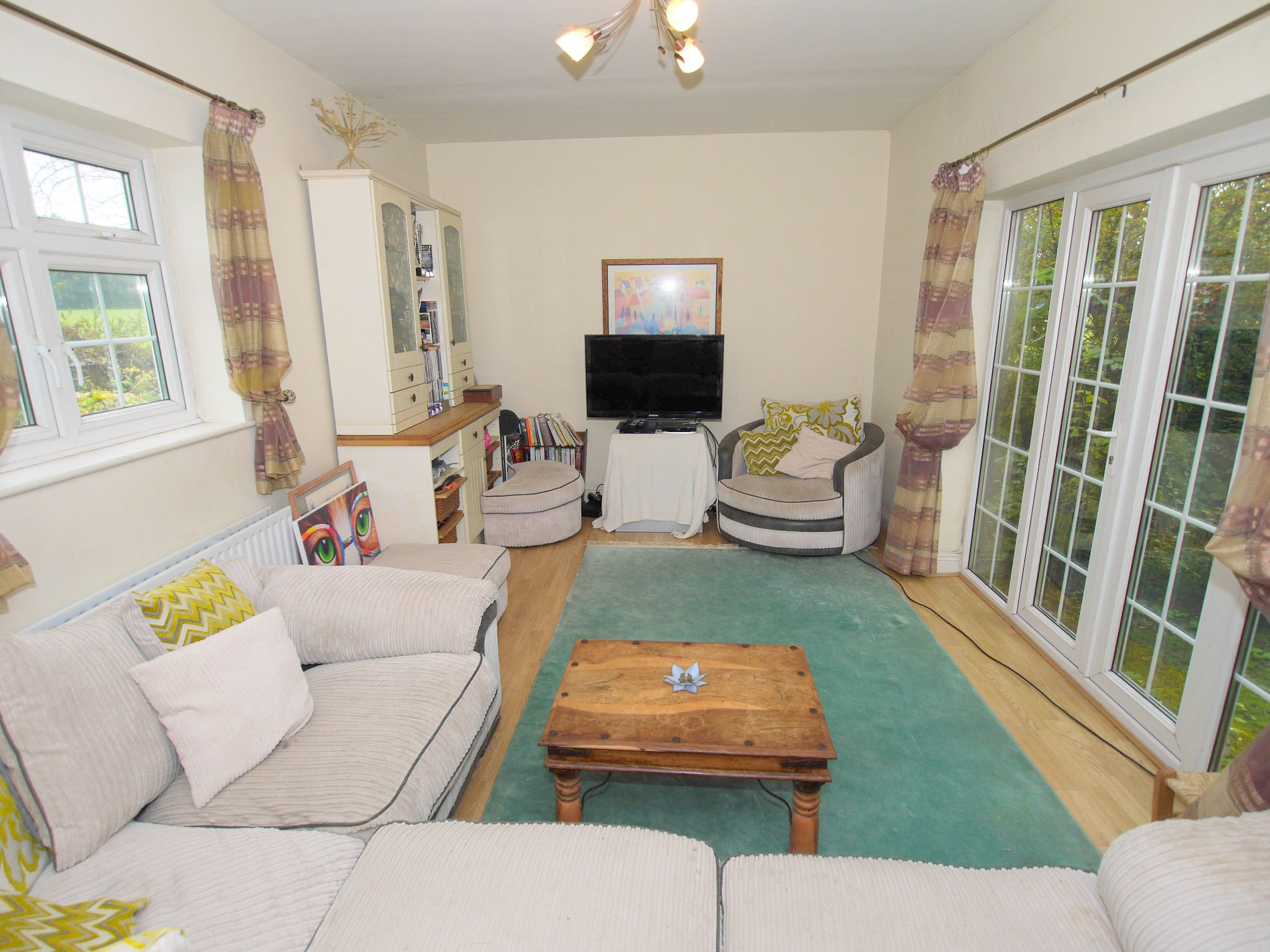 4 bedroom semi-detached house For Sale in Sevenoaks - Photograph 4