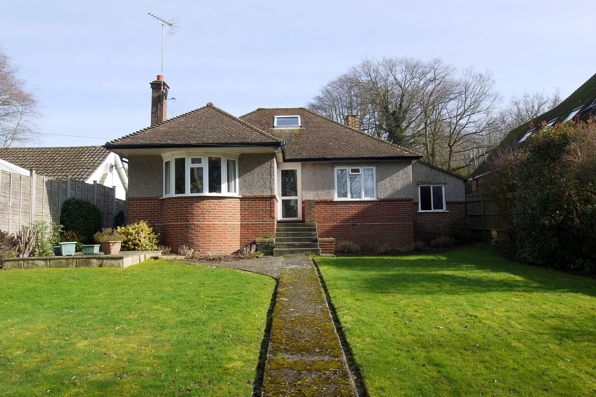 3 bedroom detached bungalow For Sale in Sevenoaks - Photograph 1