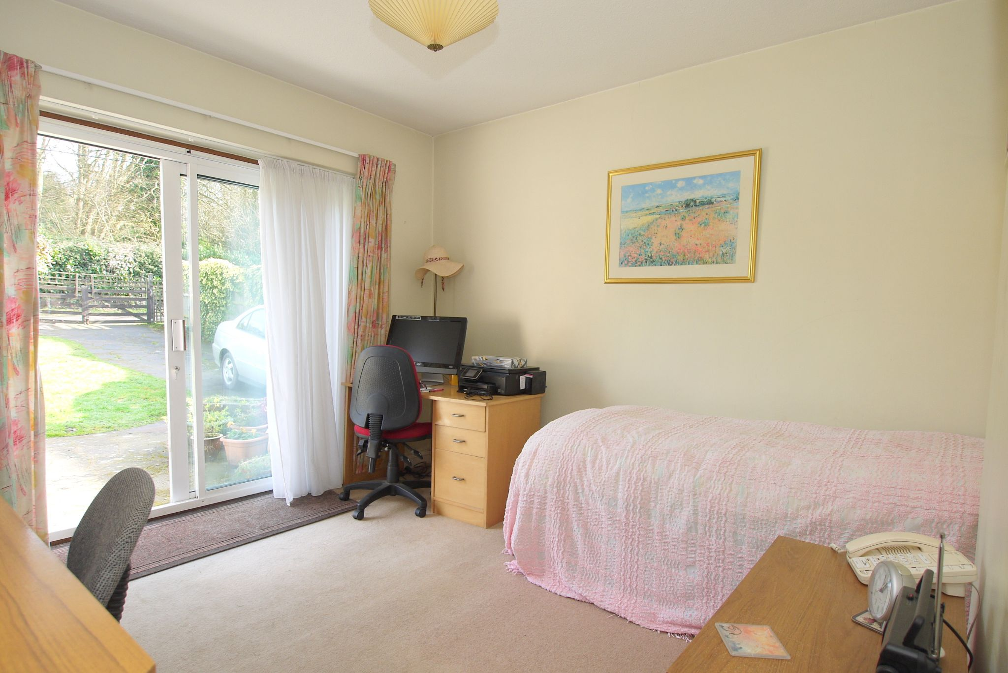 3 bedroom detached bungalow Sale Agreed in Sevenoaks - Photograph 7