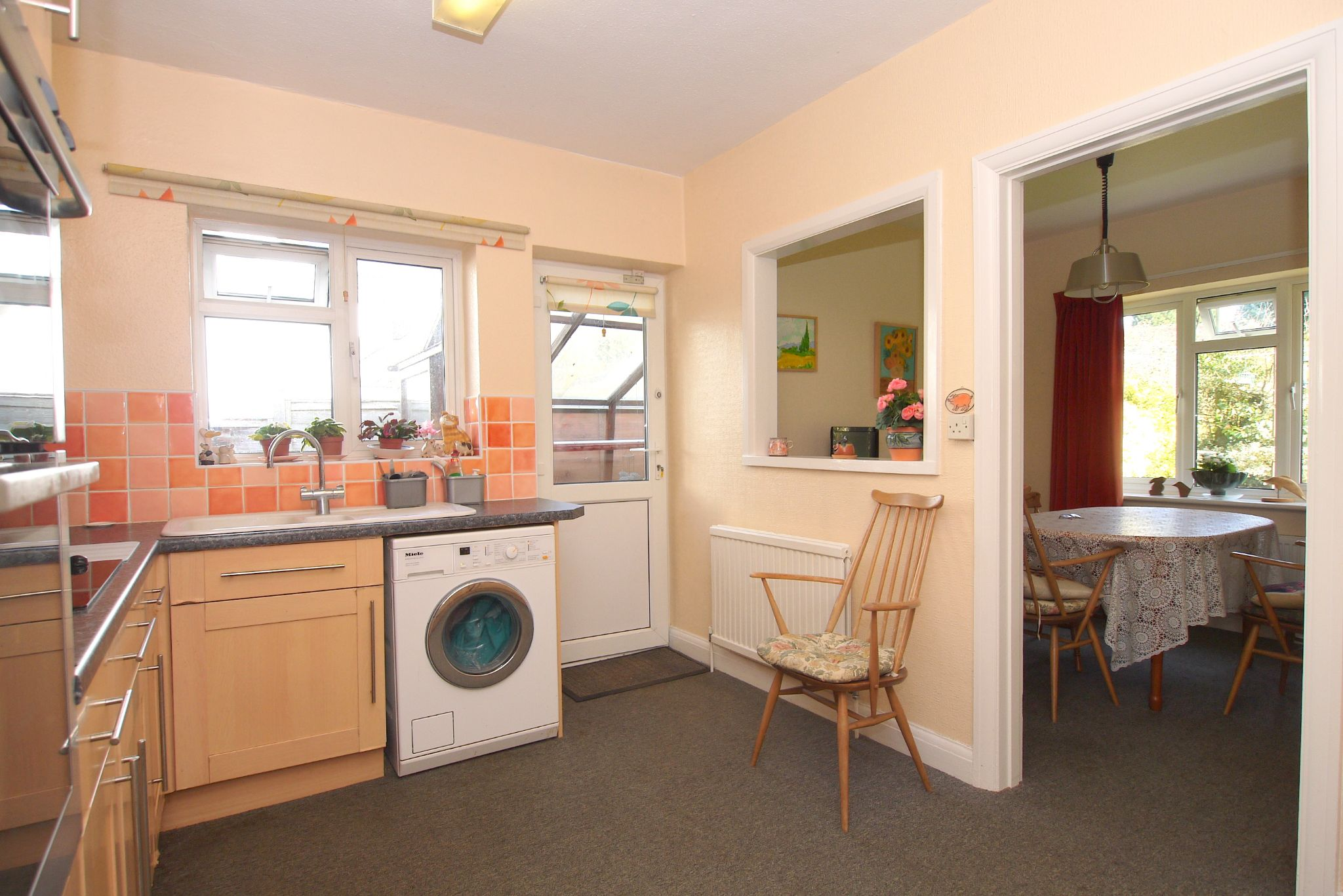 3 bedroom detached bungalow Sale Agreed in Sevenoaks - Photograph 5