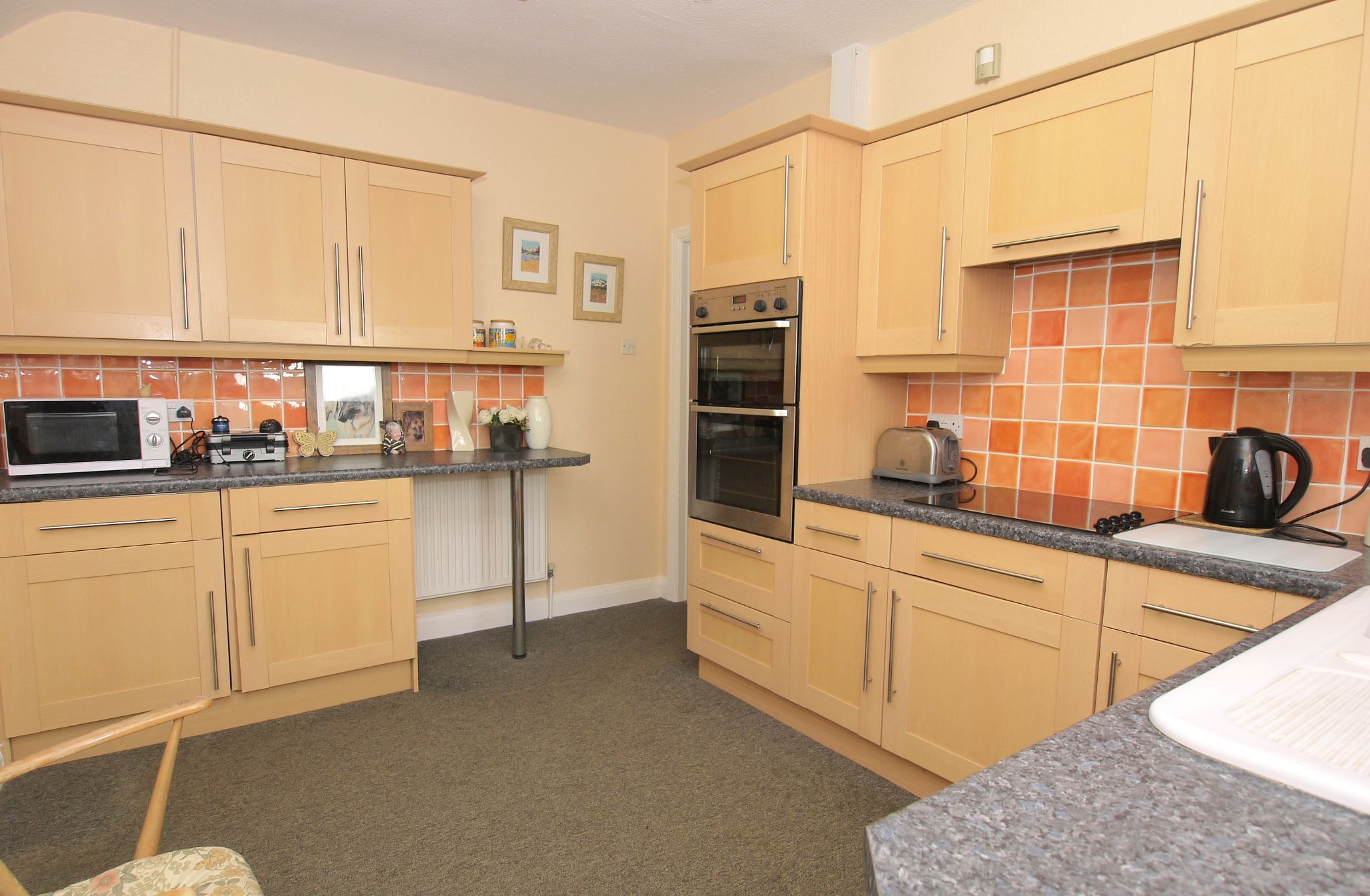 3 bedroom detached bungalow Sale Agreed in Sevenoaks - Photograph 4