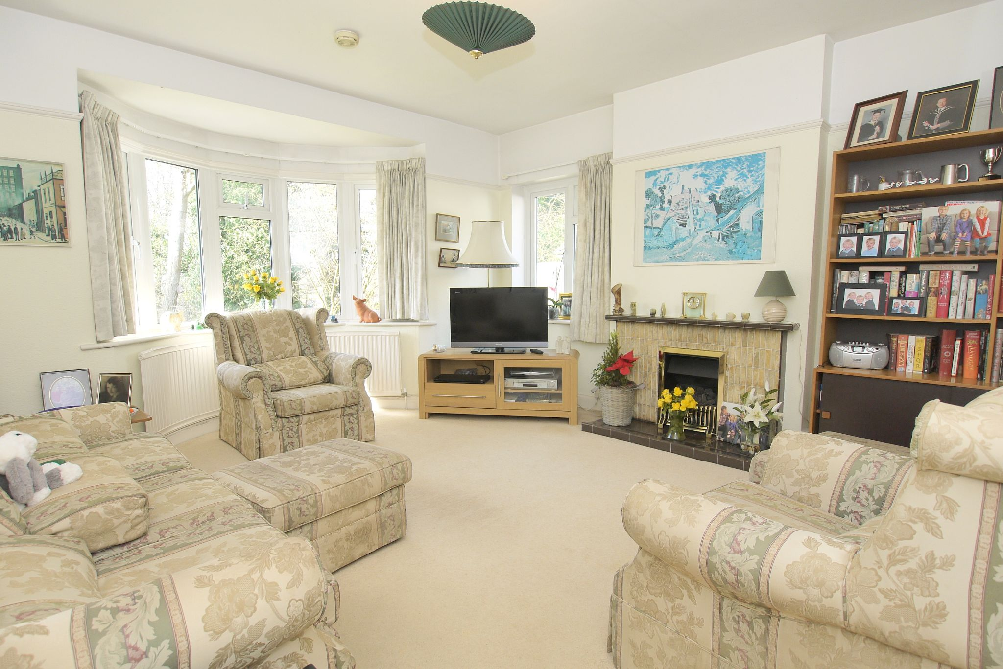3 bedroom detached bungalow Sale Agreed in Sevenoaks - Photograph 2