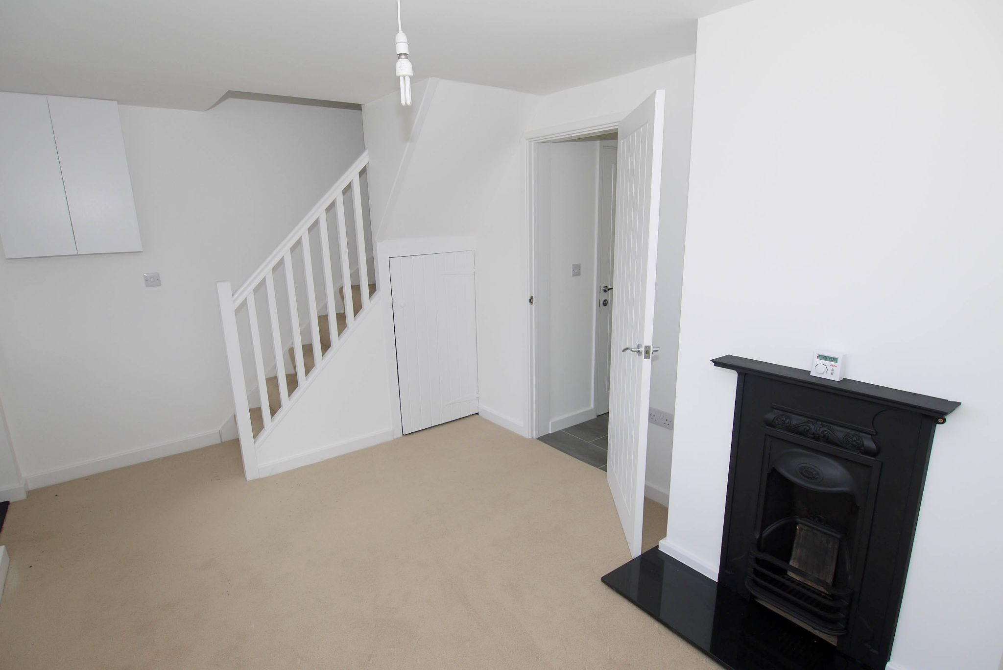 2 bedroom end terraced house Sold in Tonbridge - Photograph 5