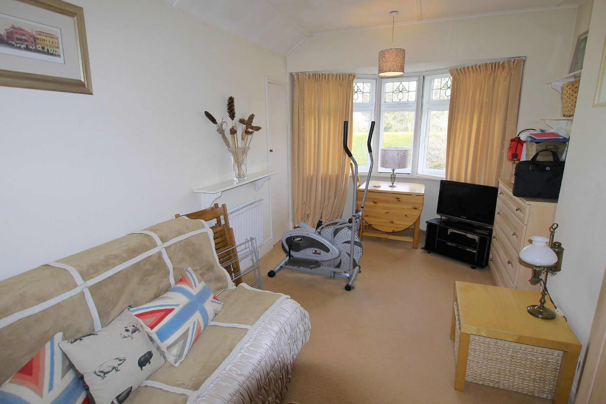 3 bedroom semi-detached house For Sale in Sevenoaks - Photograph 7