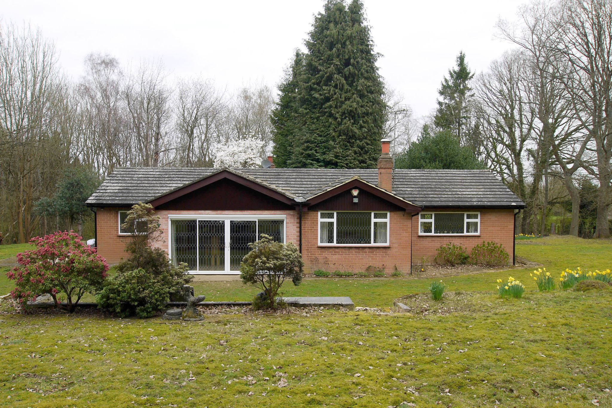 2 bedroom detached bungalow Sold in Sevenoaks - Photograph 1
