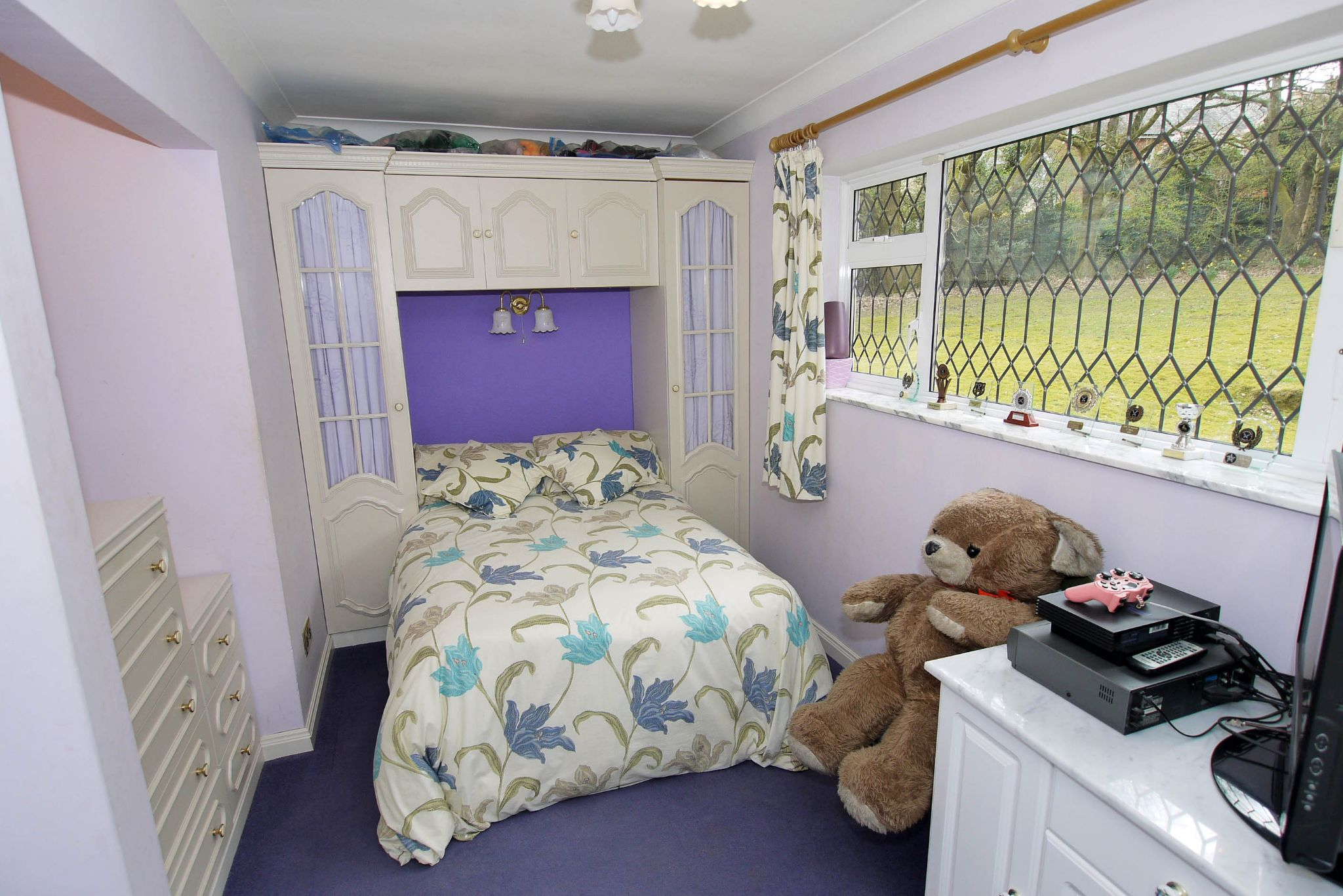 2 bedroom detached bungalow For Sale in Sevenoaks - Photograph 7