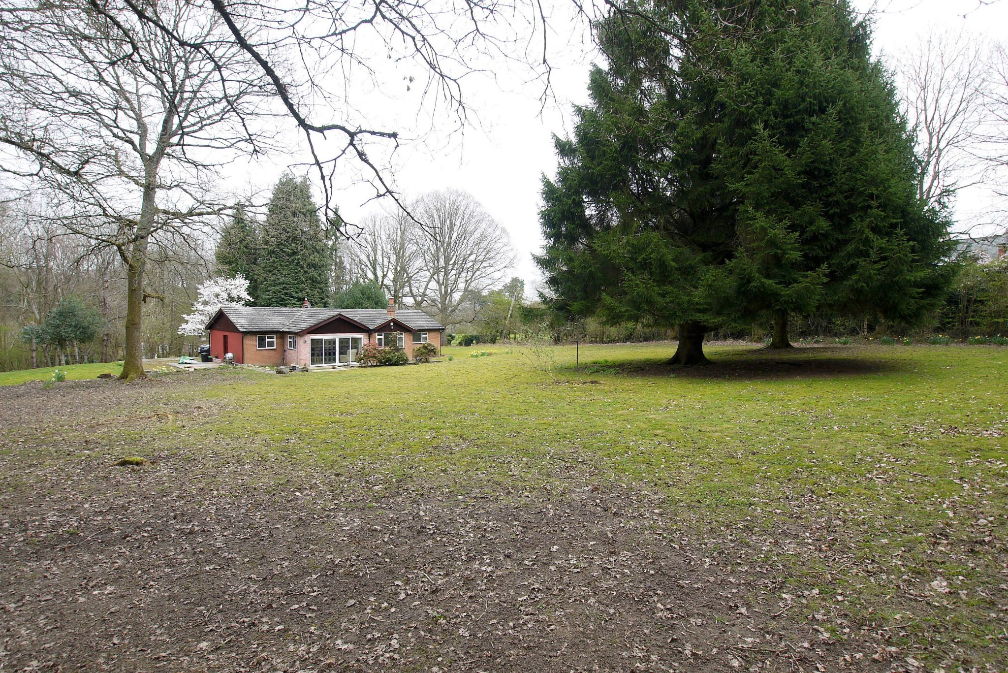 2 bedroom detached bungalow Sale Agreed in Sevenoaks - Photograph 10