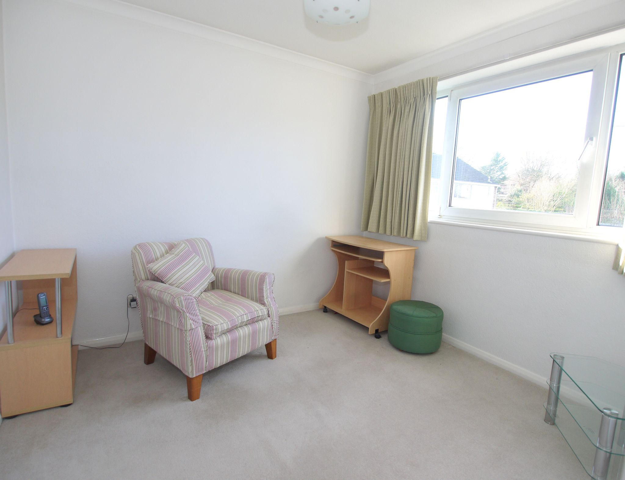 3 bedroom mid terraced house Sale Agreed in Sevenoaks - Photograph 7