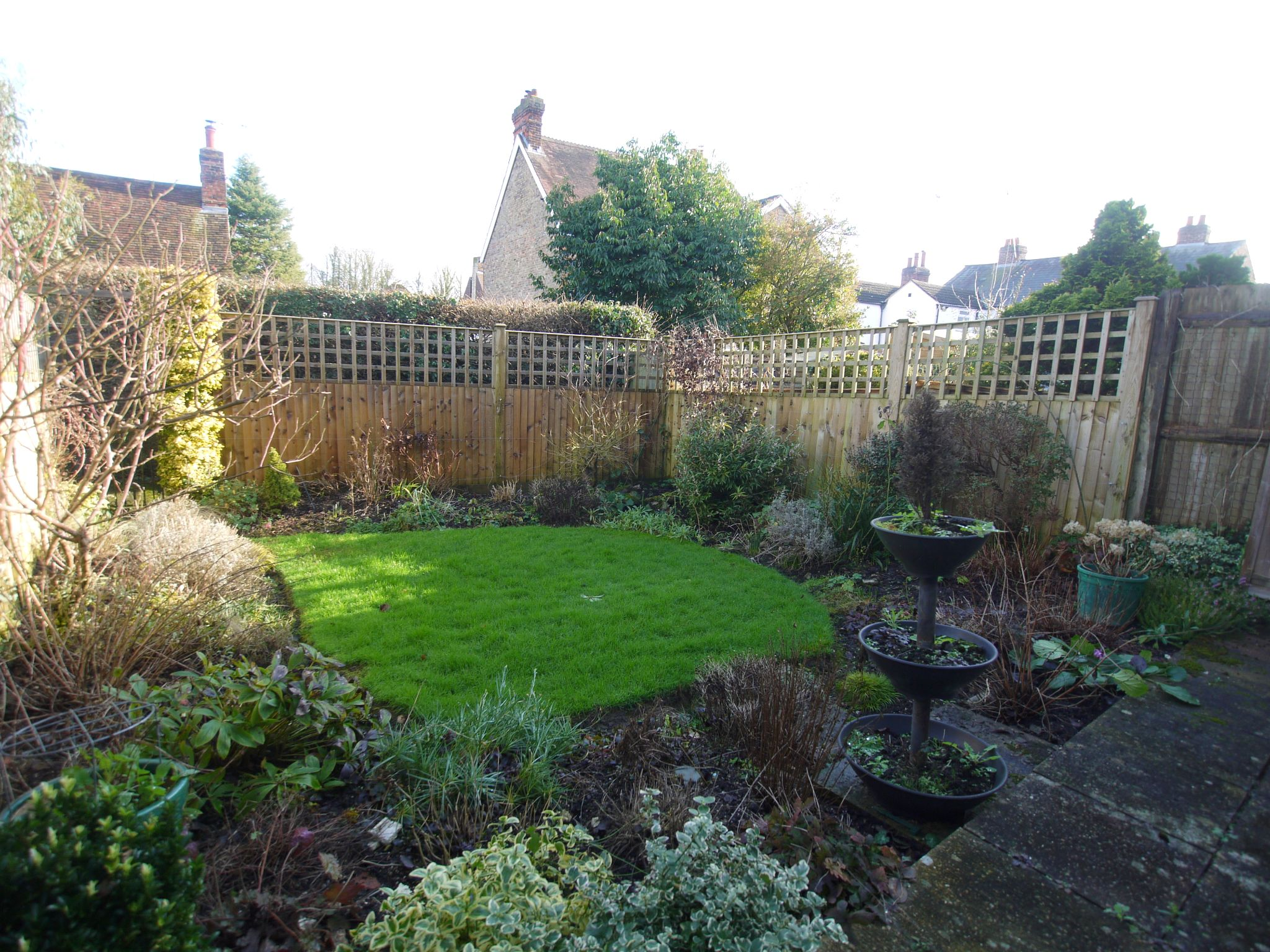 3 bedroom mid terraced house Sale Agreed in Sevenoaks - Photograph 9