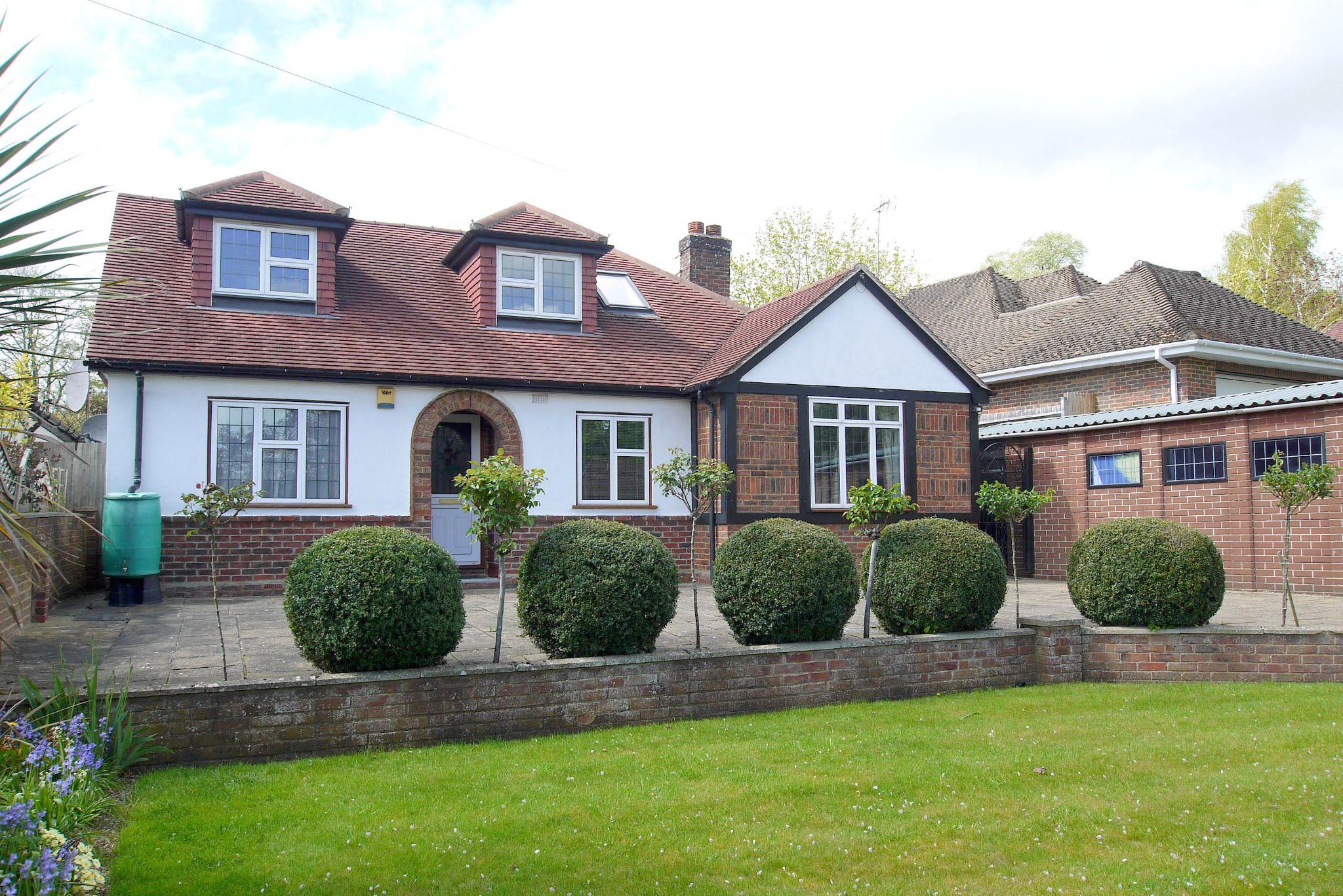 5 bedroom detached bungalow For Sale in Sevenoaks - Photograph 1