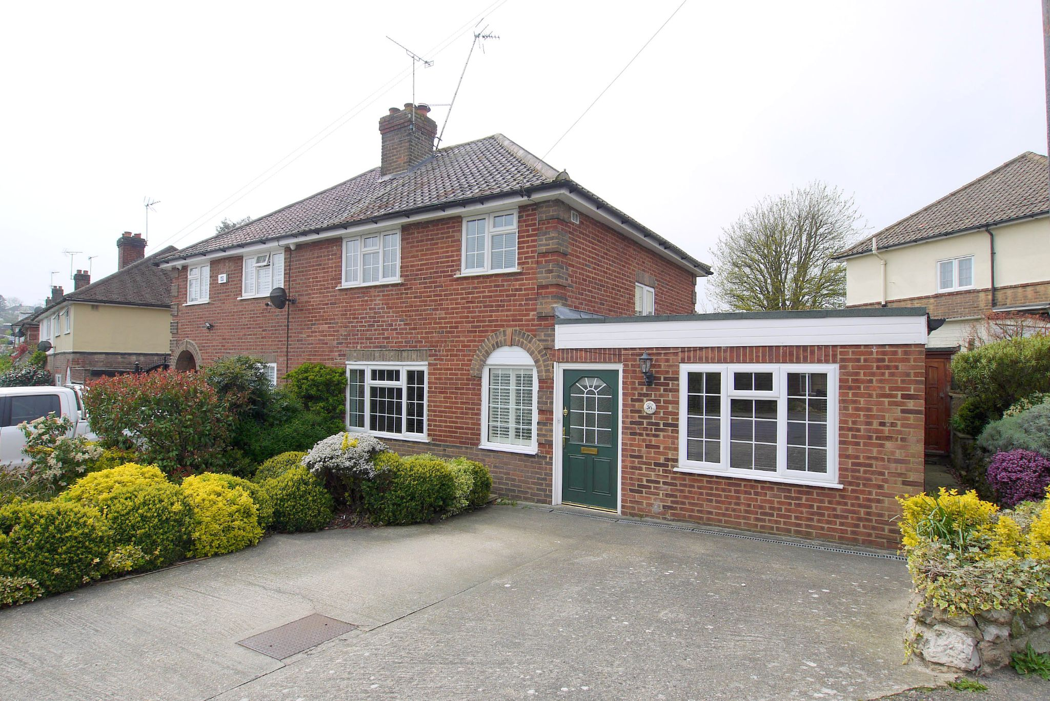 3 bedroom semi-detached house For Sale in Sevenoaks - Photograph 1