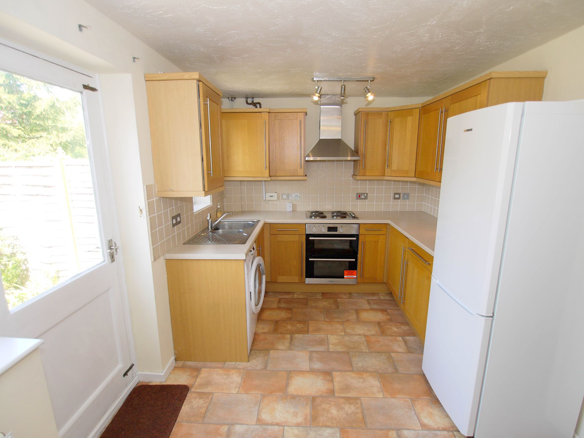3 bedroom semi-detached house For Sale in Sevenoaks - Photograph 4