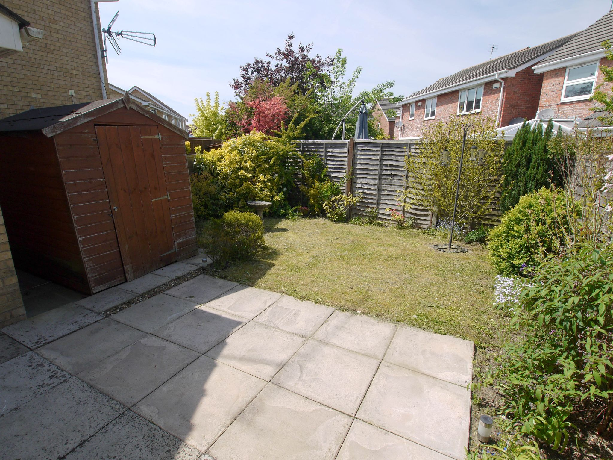 3 bedroom semi-detached house For Sale in Sevenoaks - Photograph 2