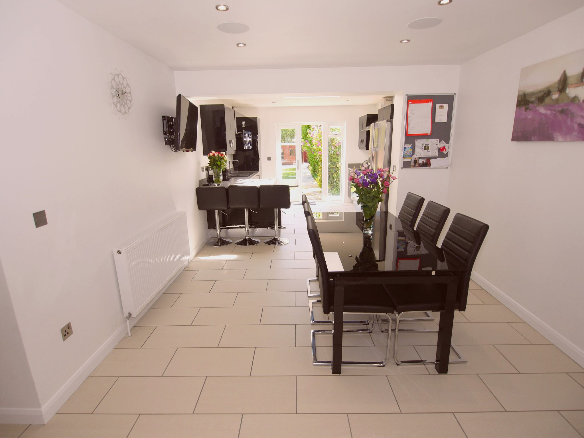 3 bedroom detached house For Sale in Sevenoaks - Photograph 6