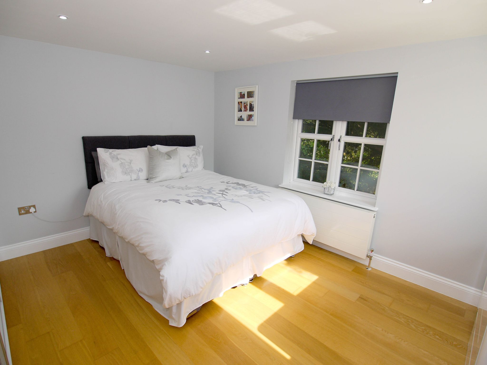 2 bedroom apartment flat/apartment Sale Agreed in Chipstead - Photograph 5