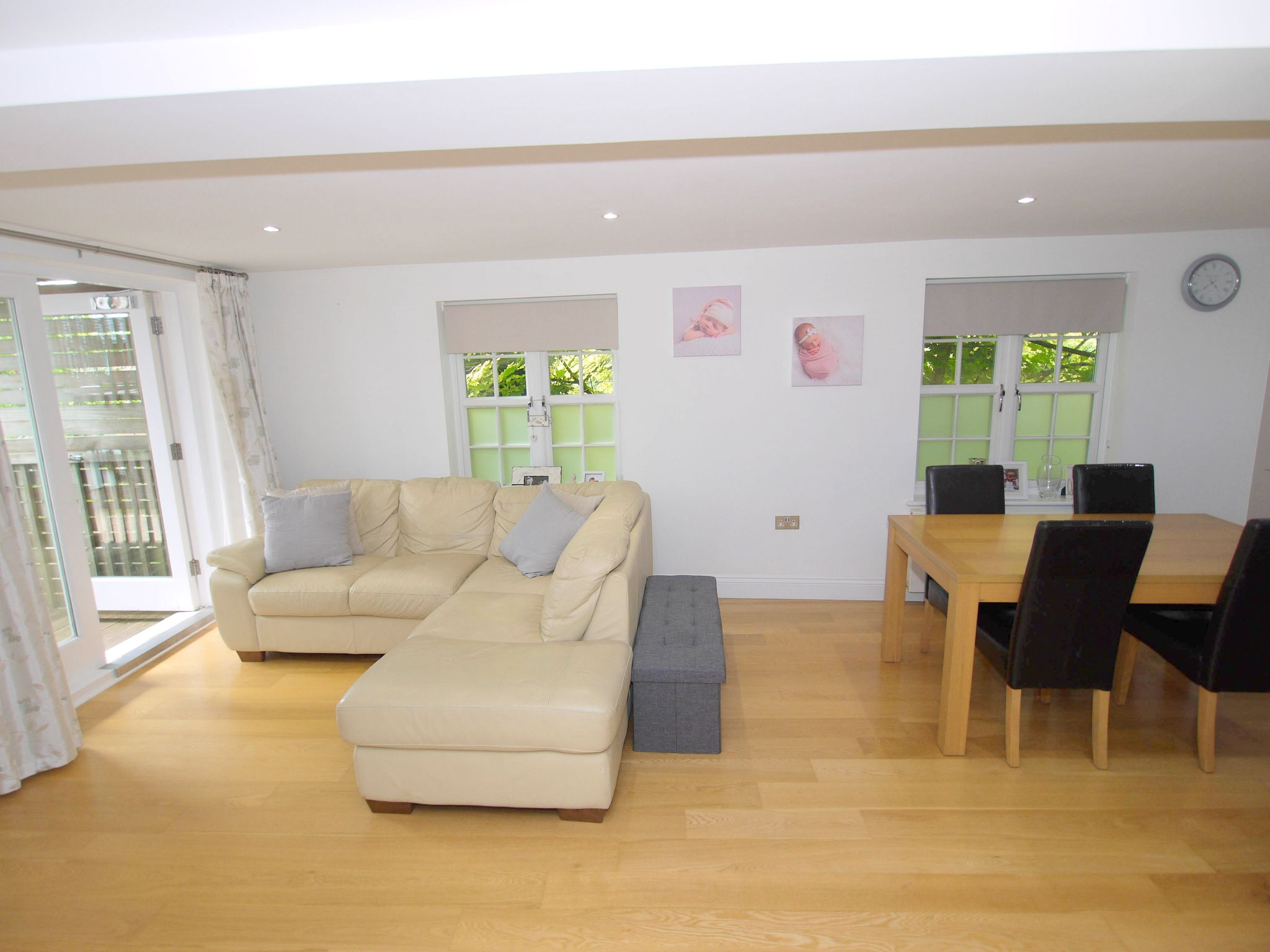 2 bedroom apartment flat/apartment For Sale in Chipstead - Property photograph