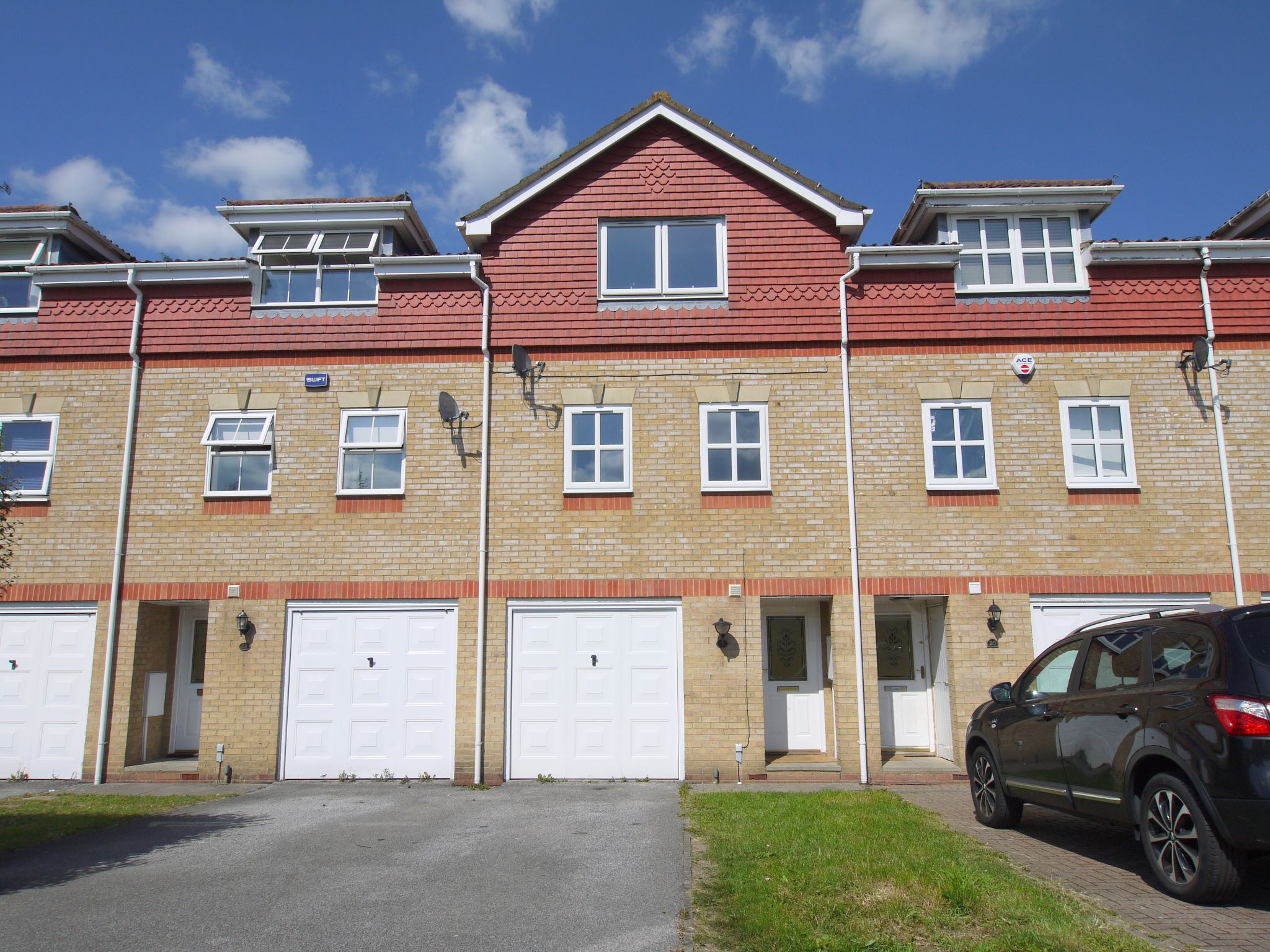 4 bedroom town house Sold in Sevenoaks - Photograph 1