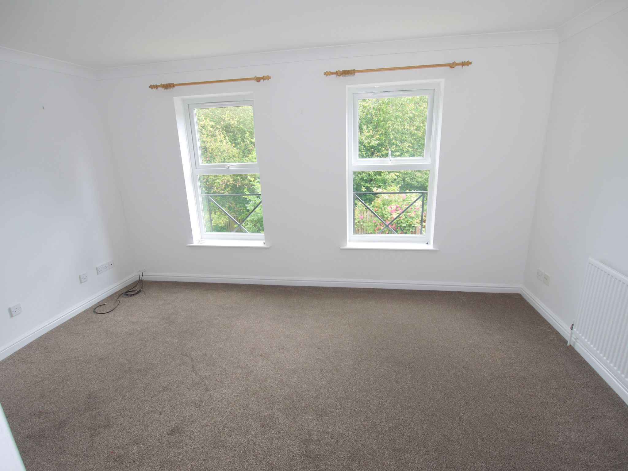 4 bedroom town house For Sale in Sevenoaks - Photograph 4