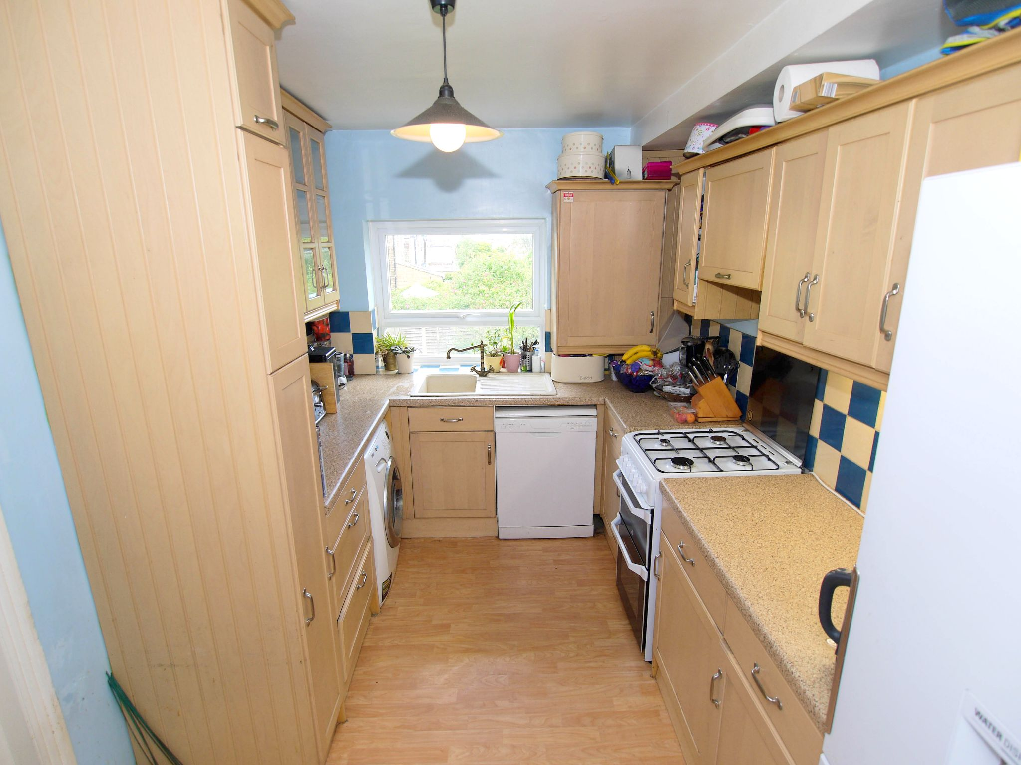3 bedroom mid terraced house Sale Agreed in Sevenoaks - Photograph 4