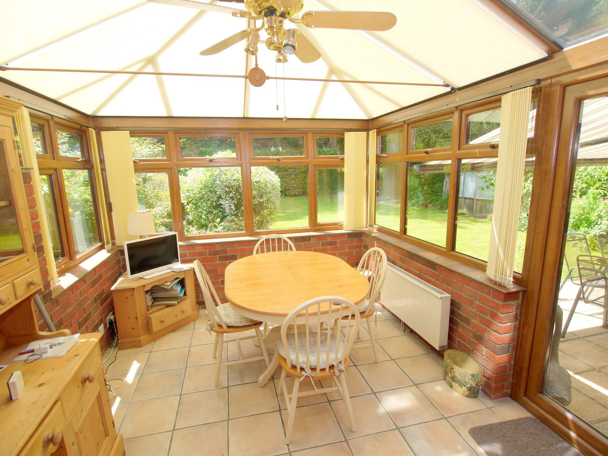 5 bedroom detached house For Sale in Tonbridge - Photograph 3
