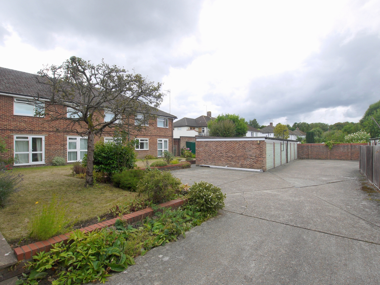3 bedroom apartment flat/apartment To Let in Sevenoaks - Photograph 8