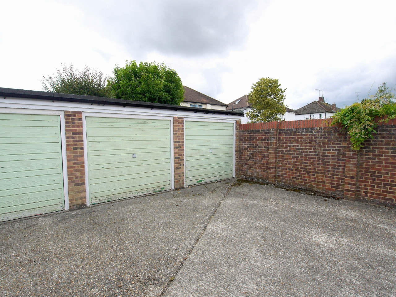 3 bedroom apartment flat/apartment To Let in Sevenoaks - Photograph 9