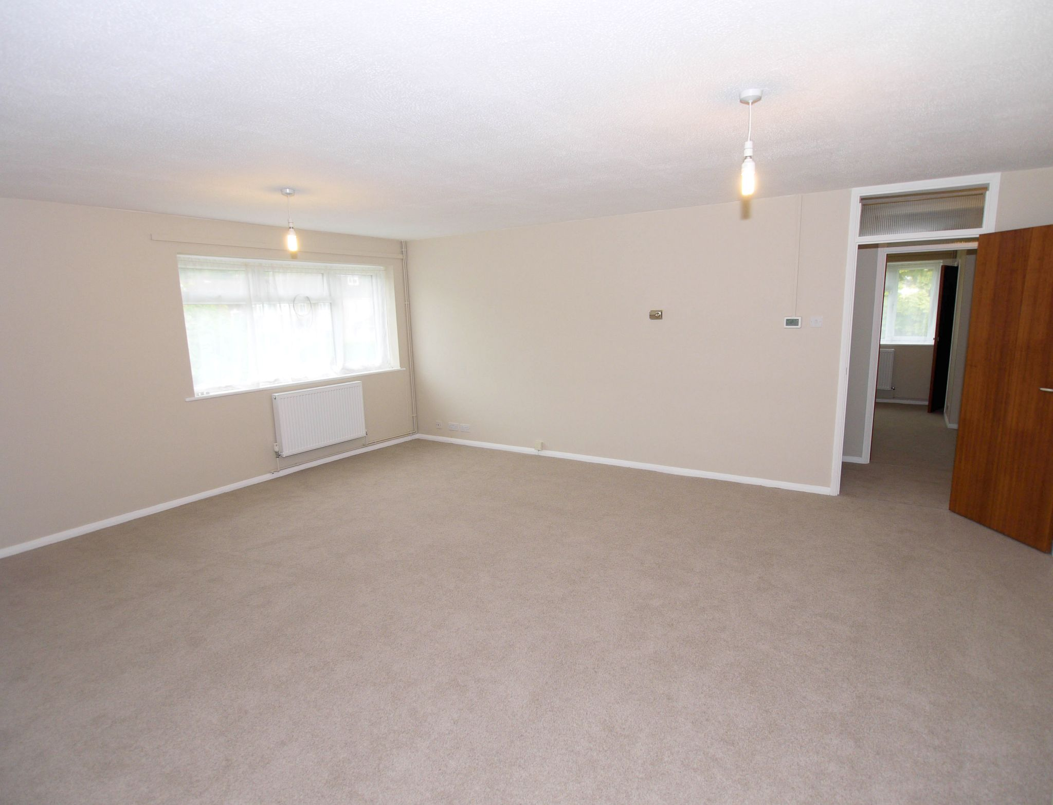 3 bedroom apartment flat/apartment To Let in Sevenoaks - Photograph 2