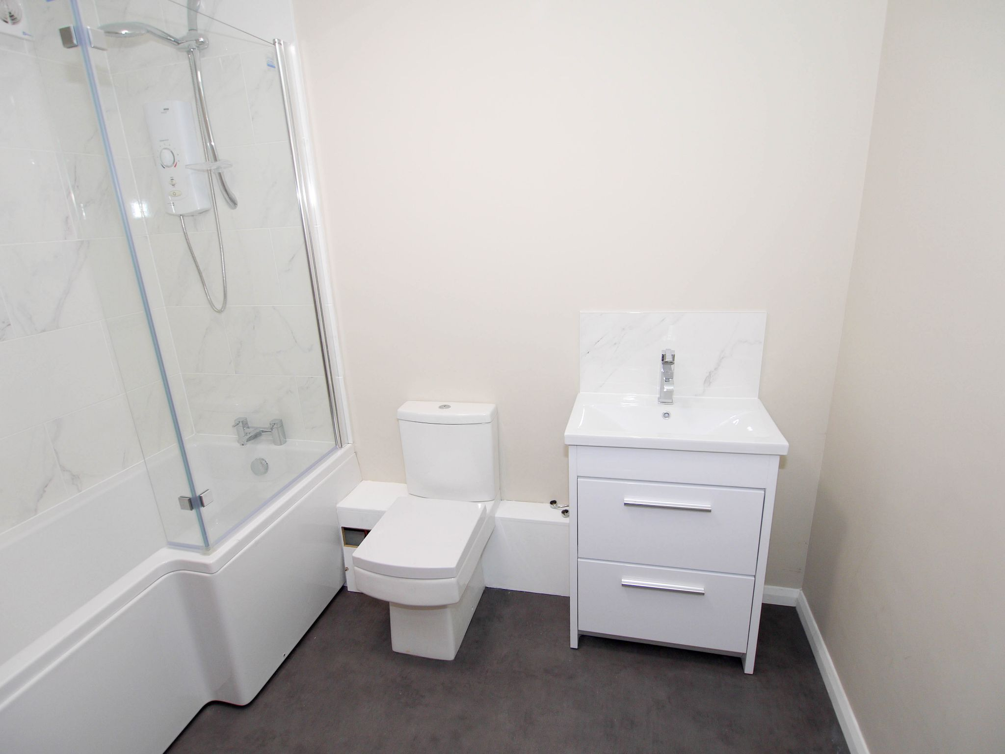 3 bedroom apartment flat/apartment To Let in Sevenoaks - Photograph 6
